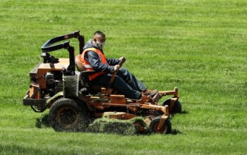 California moves toward ban on gas lawnmowers and leaf blowers